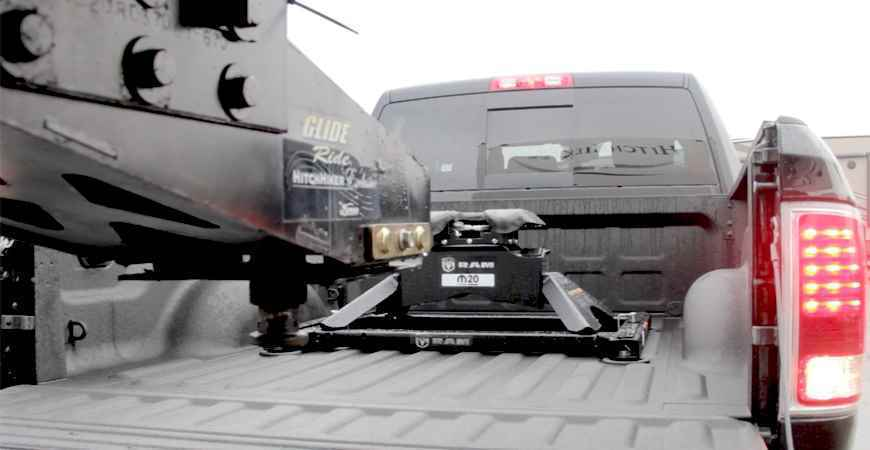 How to Choose a Fifth Wheel Hitch - RV Part Shop